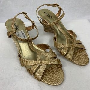 East 5th Womens Wedge Sandals ADDIE Gold SZ 7.5M